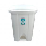 BASURERO PLASTICO CON PEDAL BLANCO 40.6 CM 72 LT